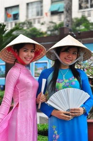 Non la and Ao dai